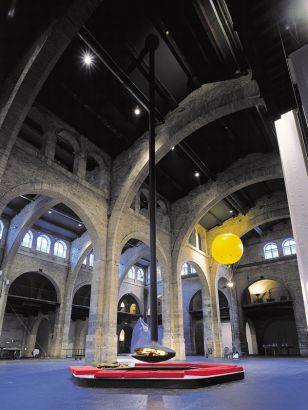 chimenea de diseño central Gyrofocus Bordeaux
